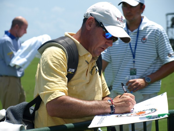 Rich Beam signing flags The Ocean Course, 2012 PGA Championship